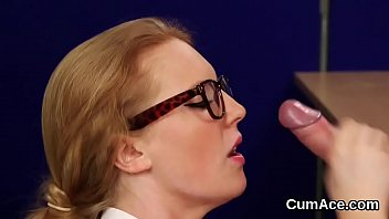 thumb Foxy Babe Gets Cumshot On Her Face Swallowing All The Spunk