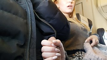 Streaming Video PUBLIC AIRPLANE Handjob and Blowjob - Bella Mur - XLXX.video