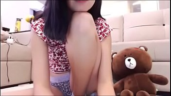 Amator cam girlfriend tease me up and shows me her beautiful sexy body