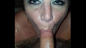 Streaming Video Sexy MILF fucking young BF in hot tub! - XLXX.video