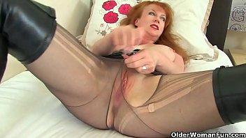 Lustful transbabe Nina loves eating pussy of female babe Alina