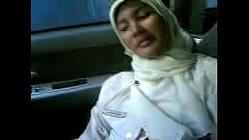 Abg Jilbab Sma Ngentot Dimobil