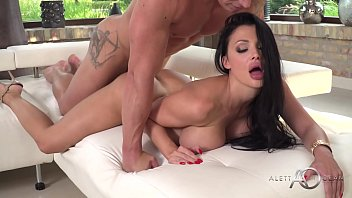Xxx On The Net With Brunettes Are Fucked For Massage