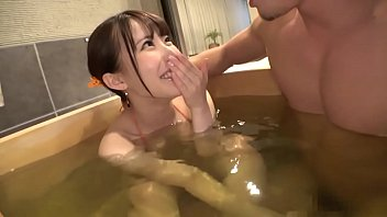 XVIDEO 素人の巨乳お姉さんと露天風呂でハメ撮りセックス