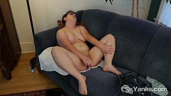 Horny Ivy Masturbating Her Twat