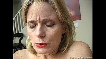 Armazém vídeos pornô Mature amateur has an orgasm - videoxxx17.info