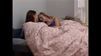 xxarxx Lesbians Play With Their Toys in Bed