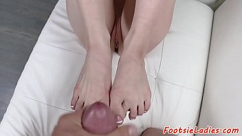Smalltitted babe footworshiped and pounded