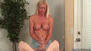 cumblast-Horny mature hottie gets splattered with semen