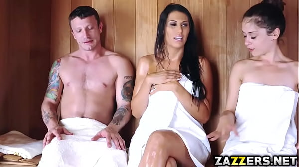 Pete gets a deep throat blowjob from Makayla Cox milf mouth