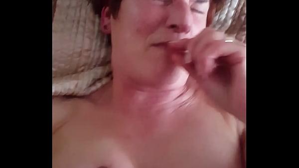 69 éves szőrös puncis nagyi nagy farkú néger pasival szexel