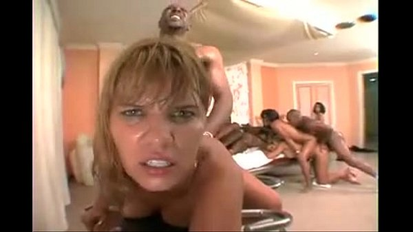 Big Bubble Butt Brazillian Orgy 3 CD1