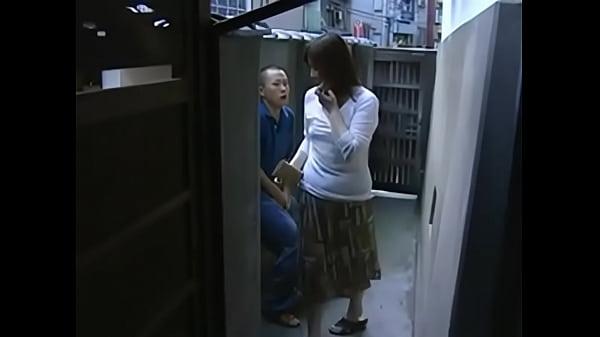 Japanese Step Mom - កូនប្រុសចុយម្តាយក្មេក