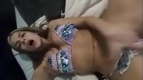 Loira Novinha Peituda Se Masturbando Gostoso