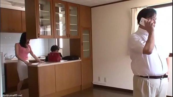Vợ ngoại tình khi chồng đang xem nhà