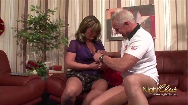 Tante Gerda hat mit Nachbarn Wolfgang gefickt