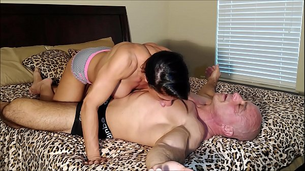 Alexis gets creampied  thumbnail