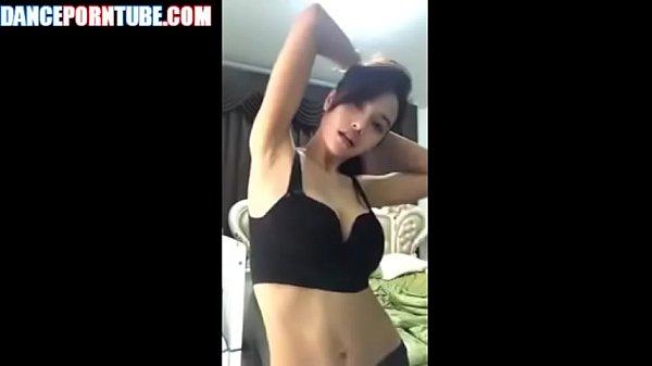 Video bokep online dancing thai whore with big fake tits terbaru - VianoTvPortal.Com