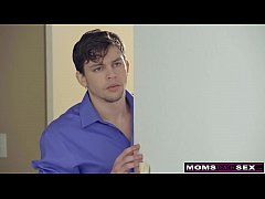 MomsTeachSex - Mom And StepSons Romantic VDay F...