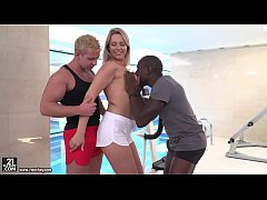 Nikki Dream enjoys interracial double penetration