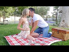 PASSION-HD Picnic date turns into fuck with blo...