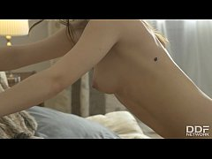 College Teen Olivia Grace goes Wild for 1st tim...