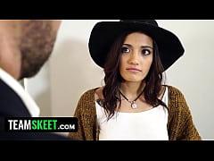 Sexy Latina (Penelope Cum) Persuades Realtor Wi...