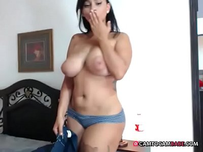 Hot Latin milf slaps and fingers her fat ass live cam