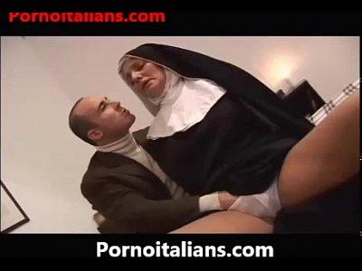 The Italian nun slut does blowjob - Il pompino della suora italiana milf