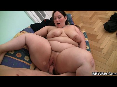 Horny guy seduces and bangs BBW