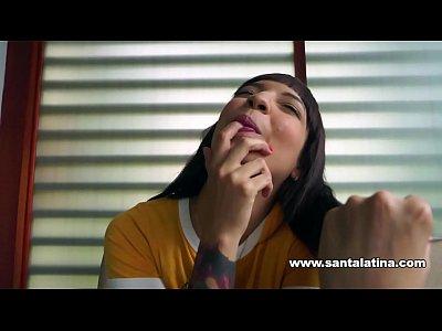 Matilda Ramos follando duro y sin miedo en Santalatina