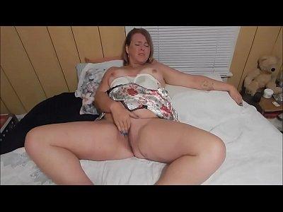 Hefty mature wife masturbating