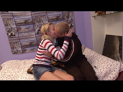 Teen is getting strong orgasm in hardcore porn movie