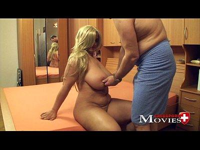 Jasmin XXXL-tits at porn casting in Zürich