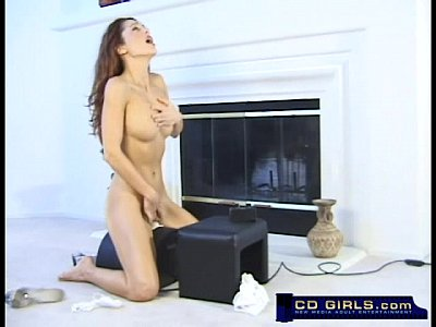 Orgasm on the sybian with beautiful Isabella
