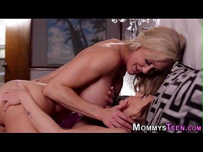 Scissoring mature lesbian