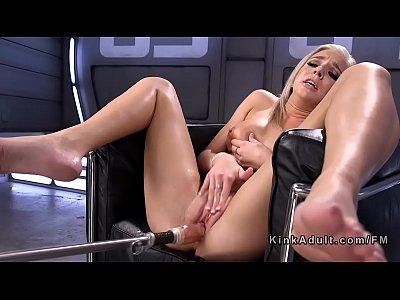 Blonde squirter fucking machine