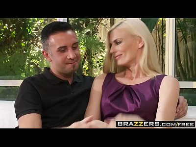 Brazzers - Milfs Like it Big - (Darryl Hanah) - Husbands Away Time To Get Laid