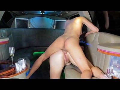 Blonde tranny and big boobs brunette
