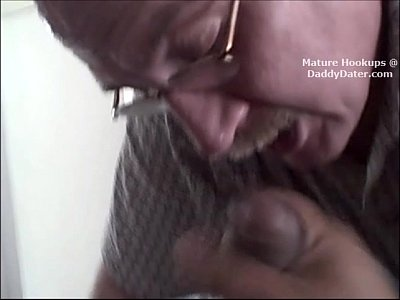 Cum Swallowing Silverdaddy Grandpa Gumjob on big latino cock