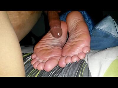 HARDCORE SLEEPY SOLE FUCK & CUMSHOT HOTT!!!!