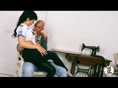 Amanda X - Real Madrid girl fanatic having sex - AmandaX folla a un aficionado