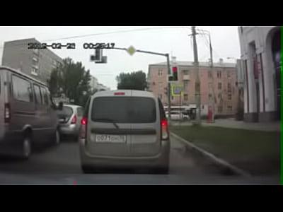 Accidentes varios en pocos segundos. Increíble Video (1)