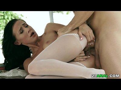 Nicole Love loves deep anal sex