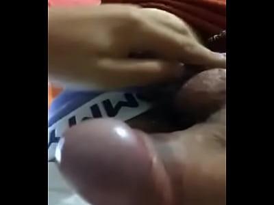 masturbandome con gotas de semen