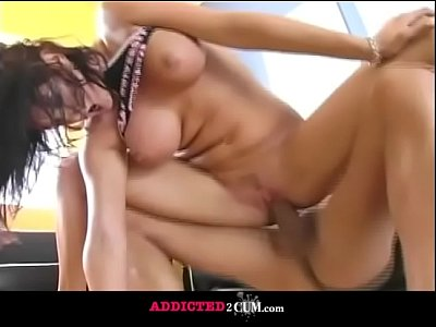 Amazing Brunette Gets her Delicious Pussy Well Pounded