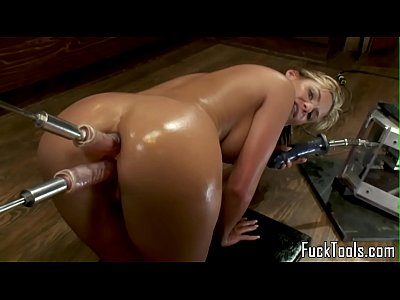 Big ass blonde anal and pussy fucking dildo