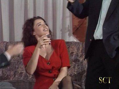 Erika Bella - La Figlia del Padrino (Revenge II) (1998) scene 2