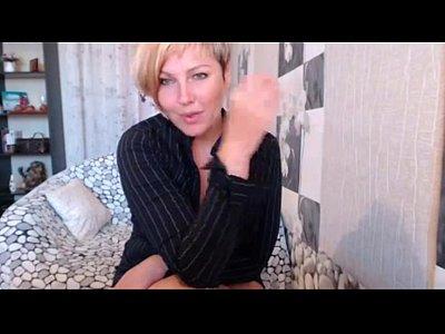 Horny MILF wants you - camdystop.com