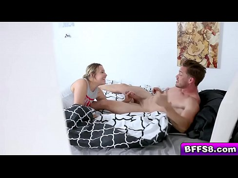 Horny Gamer gave her boyfriend a blowjob and later on her pussy is getting bang!